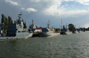 Świnoujście Port miedzy Zalewem i Bałtykiem