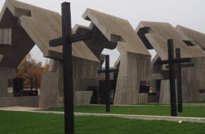 Michniów Powstaje tu nowoczesne mauzoleum