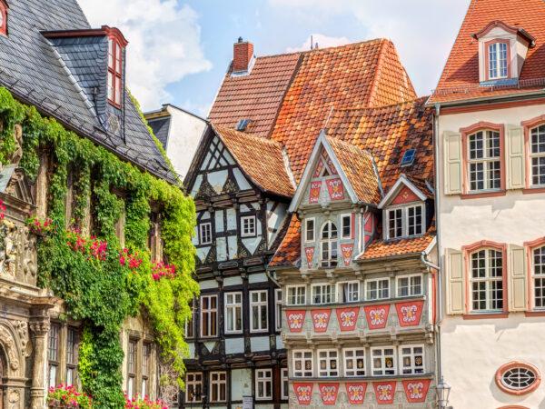 Quedlinburg Kolorowe domki i romańskie mury