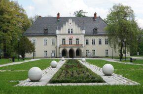 Łodygowice Pałac ciągle jeszcze zwany zamkiem